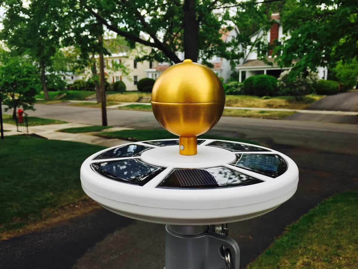 Best Solar Flagpole Lights Reviewed 2018 Best Solar Tech