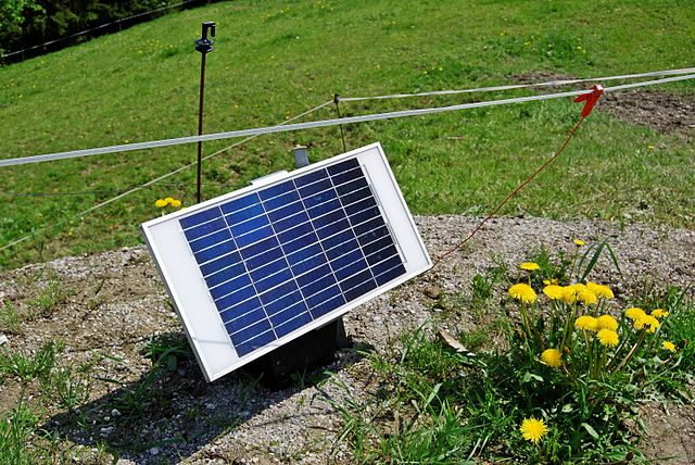 Best Solar Fence Chargers Reviewed 2018 - Best Solar Tech
