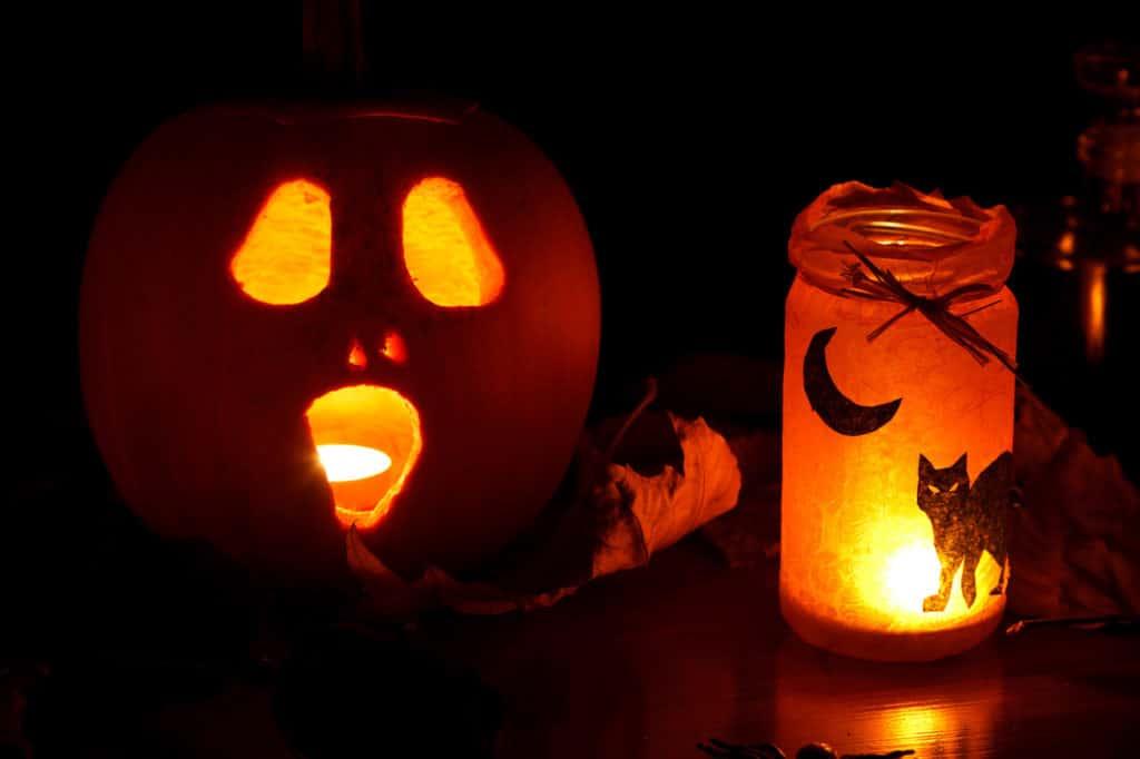 Top 10 Solar Halloween Decorations